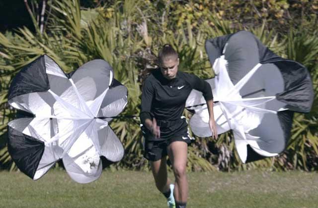 Nike clôt sa campagne publicitaire Just Do It avec «Unlimited Pursuit» et ses athlètes féminines