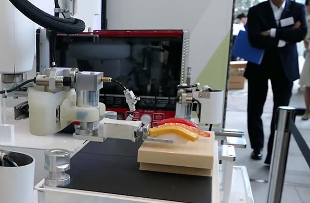 Le robot qui fait des sushis, mi-fascinant mi-aberrant