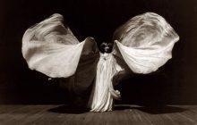 L'héritage de Loïe Fuller, la «Fée des Lumières», pionnière de la danse contemporaine