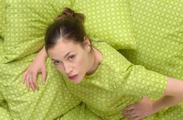 Olivia Ruiz est de retour avec son nouveau clip, «Mon corps, mon amour»