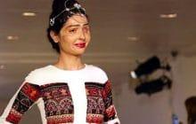 Reshma Qureshi, défigurée à l'acide, star de la Fashion Week 2016