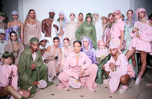 Rihanna présente pour Puma une collection entre vestiaire sportswear et lingerie baroque