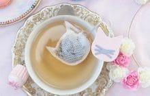 Des sachets de thé mignons ajoutent de la douceur dans votre goûter