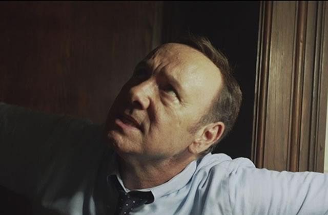 Kevin Spacey haletant dans le joli clip de «Here I Am» par TomOdell