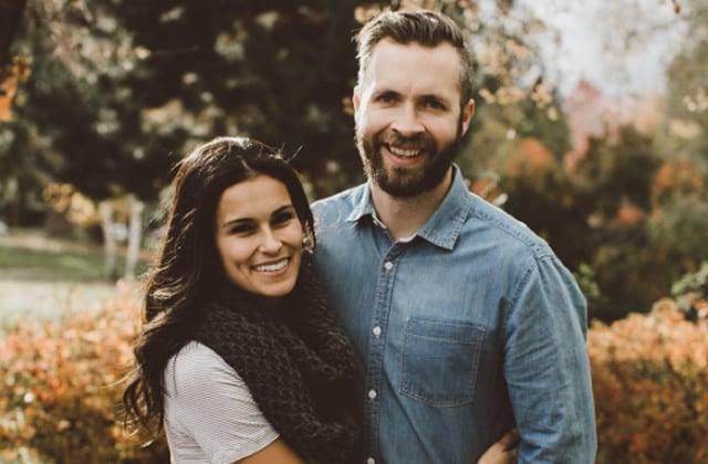 Une déclaration d'amour au mariage enflamme les âmes romantiques d'Internet