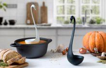 Après la louche monstre du Loch Ness, voici la louche cygne qui flotte sur ta soupe!