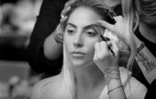 Lady Gaga sort le clip sobre et touchant de « Million Reasons »