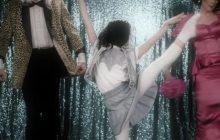Sia présente « Move Your Body» avec une AUTRE enfant qui danse beaucoup trop bien