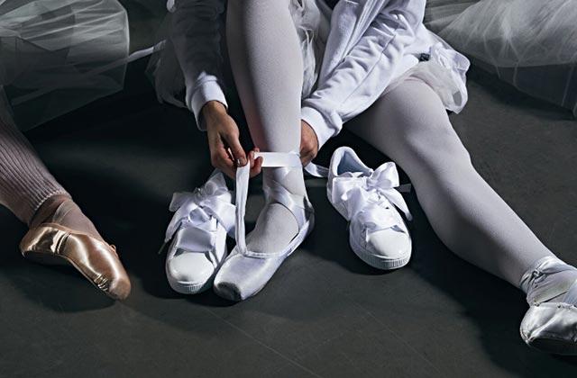Les sneakers épousent la danse classique et ça donne d'étonnantes ballerines