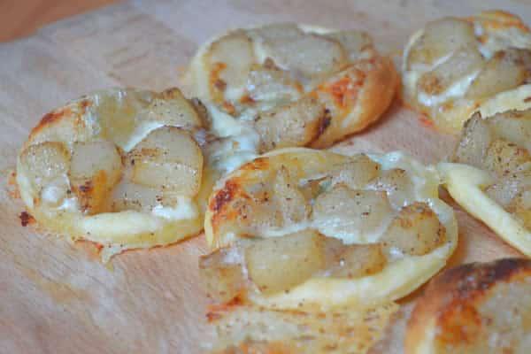 Tartelettes aux poires et au gorgonzola — Recette de bâtard
