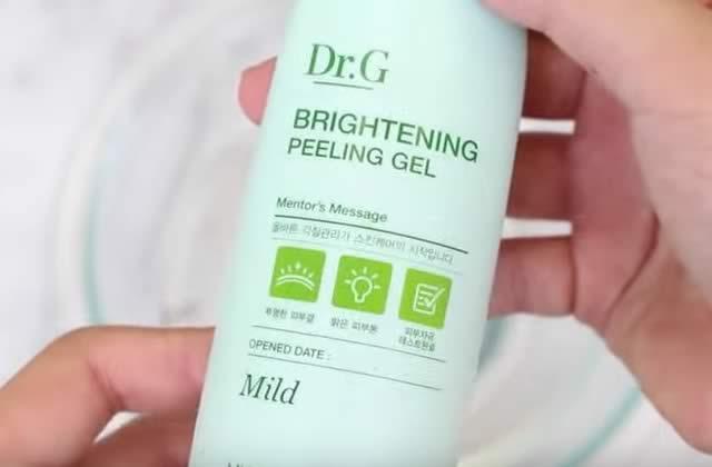 Le produit de beauté coréen qui fait tomber la peau en lambeaux… pour votre bien!