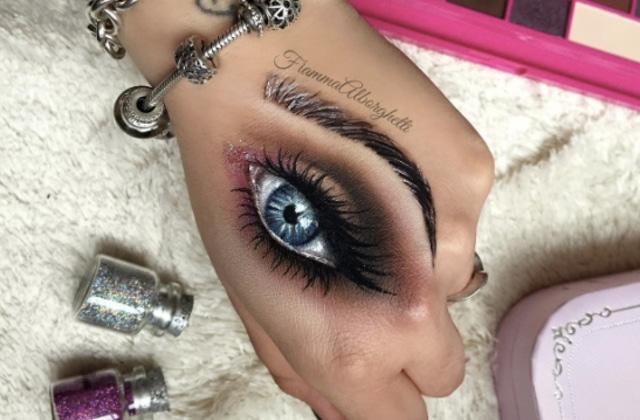 Du hand makeup au thigh makeup, l'art du maquillage qui met mal à l'aise