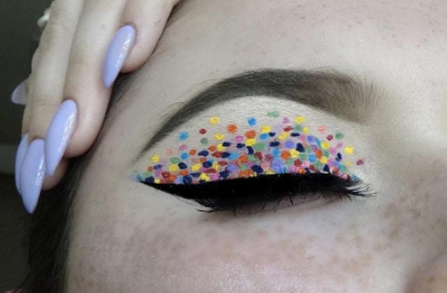 Le «dotted eyeliner» souligne ton regard en pointillés