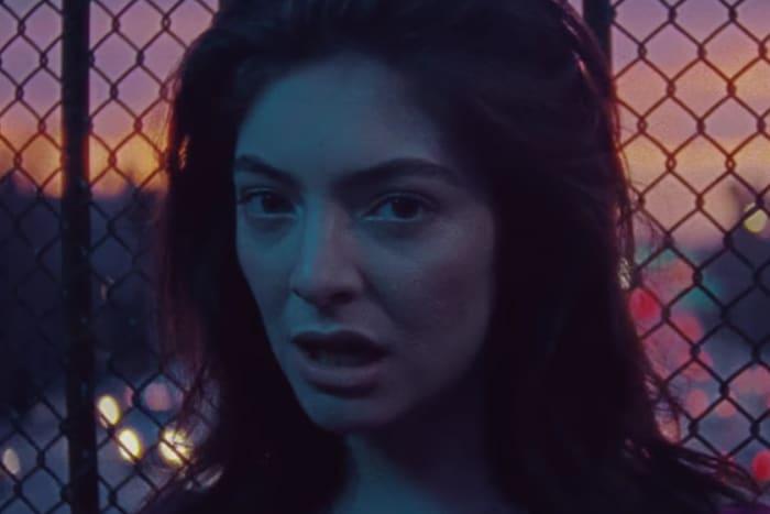Lorde fait un retour fracassant avec sa chanson Green Light