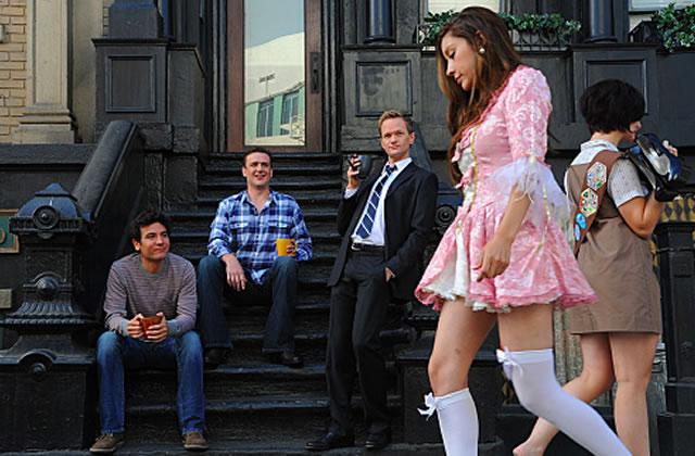 elle cherche un mec dans la rue)