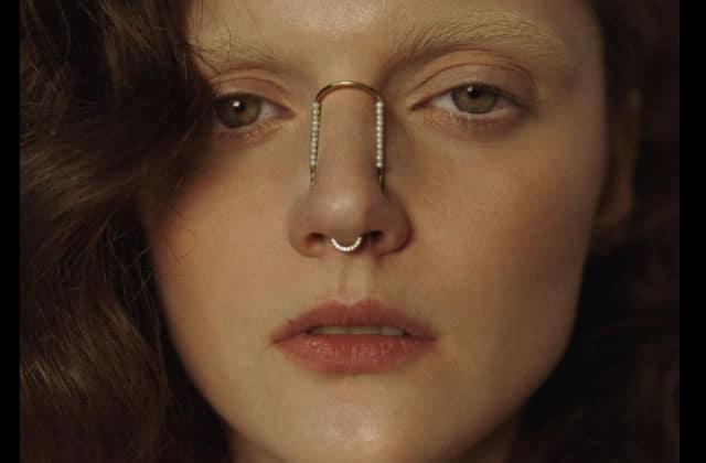 Quand les piercings pour nez deviennent de délicates parures