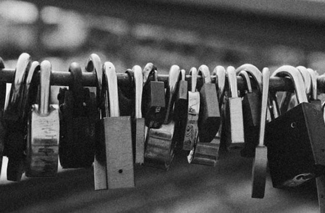 Les cadenas du Pont des Arts connaissent une nouvelle vie pour la bonne cause