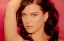 On sait à qui Katy Perry fait des bisous en aimant ça dans «I kissed a girl»