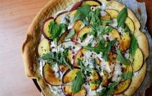 La tarte aux nectarines et au gorgonzola, l'apéro dînatoire qui va changer ta vie