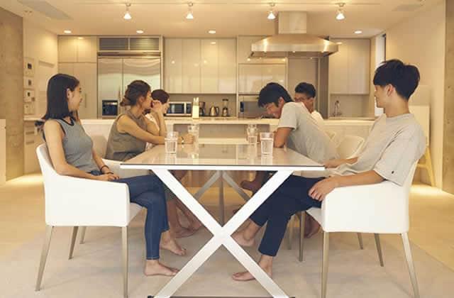 Pourquoi je suis obsédée par la télé-réalité japonaise Terrace House, disponible sur Netflix