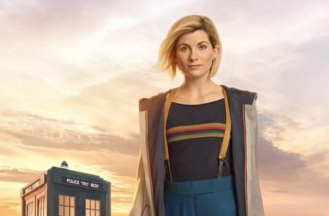 Découvrez la 1ère DocteurE Who en costume, avec son TARDIS!