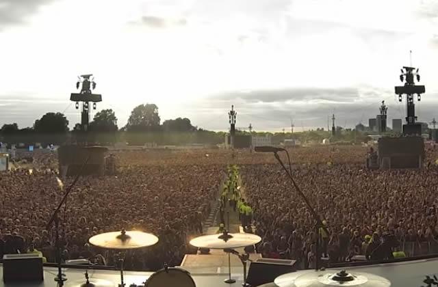 Le frisson-tout-le-long-de-l'échine du jour : 65000personnes chantent Bohemian Rhapsody