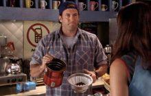 Luke de Gilmore Girls sort son propre café, pour vous emmener (en pensée) à Stars Hollow!