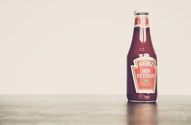 Le secret pour ne plus galérer avec les bouteilles de ketchup en verre