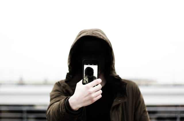 Pourquoi ça ne sert à rien de mentir (ou de trafiquer ses photos) sur les sites de rencontres