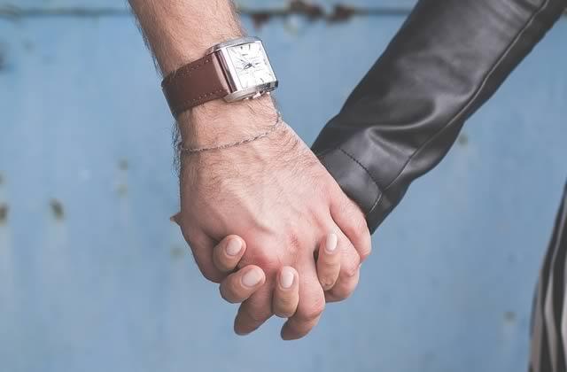 Des compagnes d'hommes victimes de violences conjugales témoignent