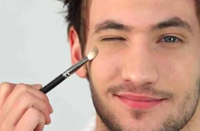 Le maquillage pour hommes se «normalise» en débarquant chez ASOS!