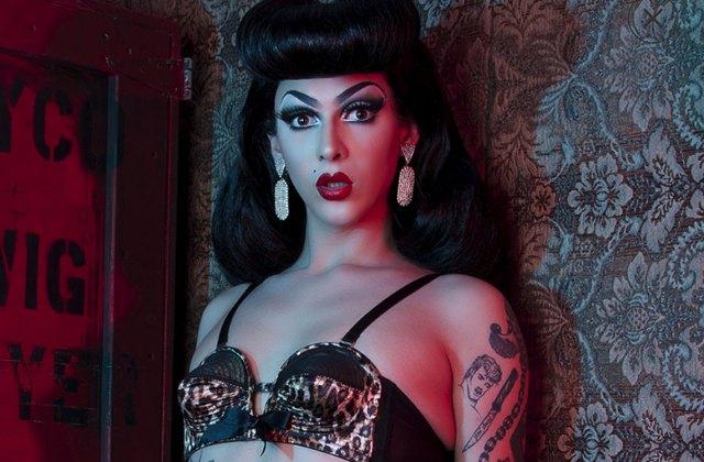 Violet Chachki devient la première drag queen égérie d'une marque de lingerie!