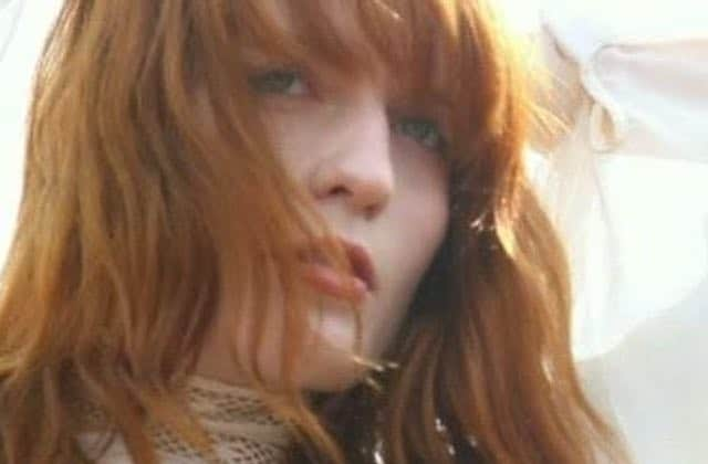 Florence Welch, la chanteuse de Florence + The Machine, va sortir un livre !