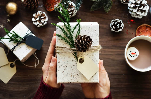 20 idées de cadeaux de Noël pour ton père (car TMTC c'est galère)