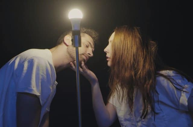 La bouleversante chorégraphie qui met la lumière au cœur d'une chanson d'Adele