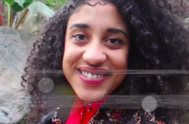 La vidéo improbable d'Emma Ebouaney t'explique qu'il faut développer tes pouvoirs psychiques