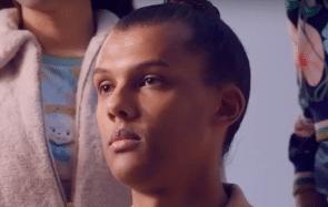 Stromae dévoile son nouveau single Défiler dans un clip très esthétique