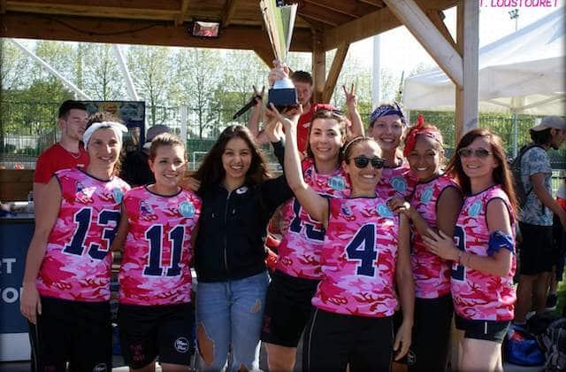 L'équipe de flag football marrainée par madmoiZelle championne d'un tournoi européen !