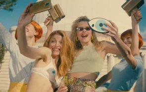 Angèle allume gentiment les réseaux sociaux dans son clip «La Thune»
