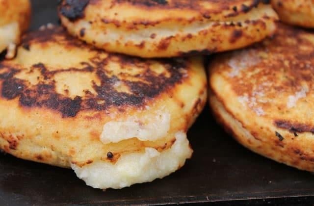 Les arepas, galettes de maïs farcies vénézuéliennes à déguster sans modération
