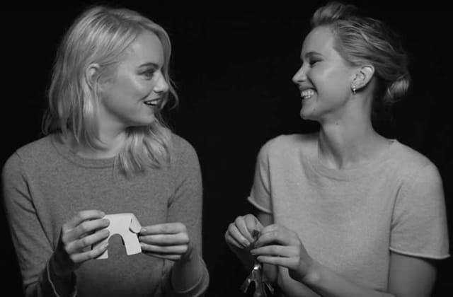 Emma Stone parle d'anxiété, de l'âge adulte et des réseaux sociaux (avec Jennifer Lawrence)