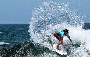 Le surf institue officiellement l'égalité des primes entre les hommes et les femmes!