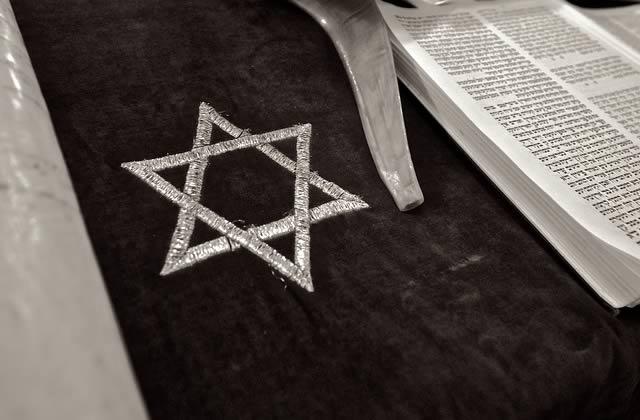 Victime d'antisémitisme, cette étudiante se défend