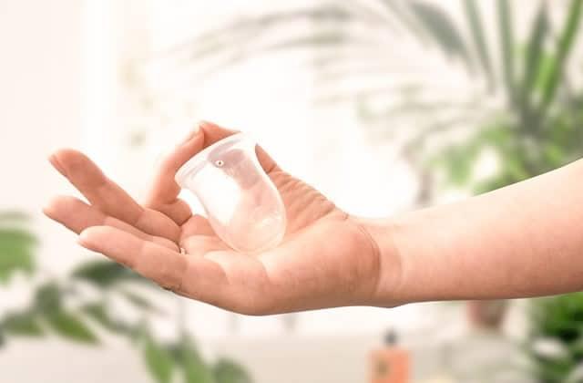 Pourquoi utiliser une cup menstruelle sans tige ?