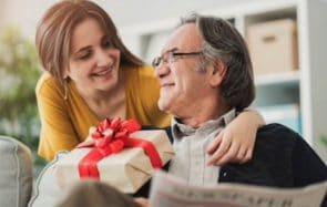 15 idées de cadeaux de Noël pour ton père (ou un tonton sympa)