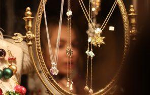 Voilà des bijoux parfaits à porter le soir de Noël !