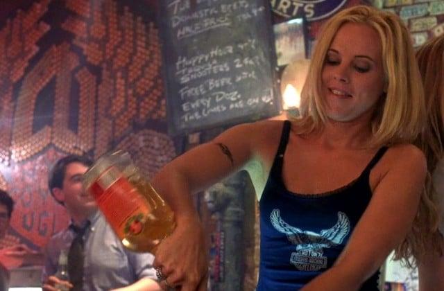 Barmaids et barmen, aidez-nous à être les meilleures clientes !