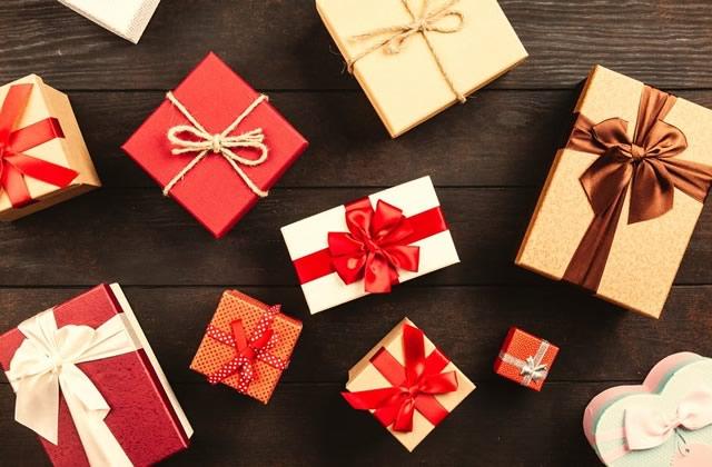 Faut-il offrir un cadeau de Noël à son plan cul?