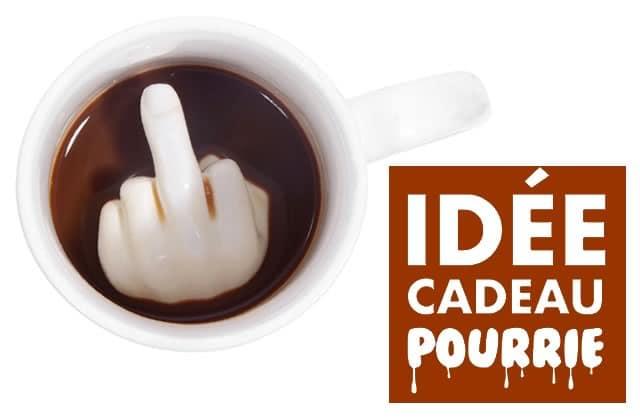 Un message à passer à Noël ? Achète un mug doigt d'honneur !