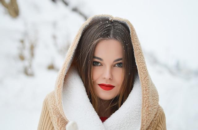 Comment avoir bonne mine en hiver grâce au maquillage glowy ?